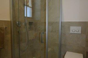 Duschbereich Apartment Lärche